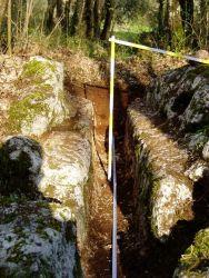 Macchia Fiorini, speco dell'acquedotto scavato nella roccia